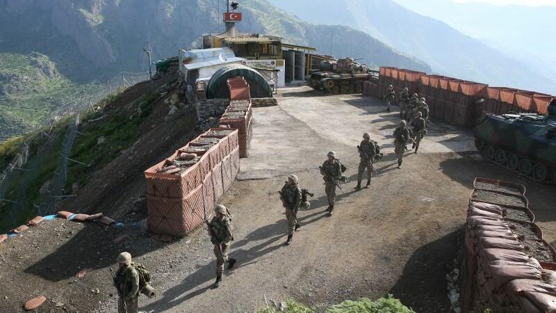 Fortele militare turce au ucis 35 de militanti kurzi. Motivul pentru care au reinceput conflictele