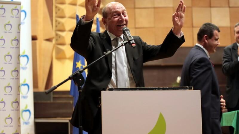 Traian Basescu: Dragnea e intangibil, ca urmare a chermezelor cu Ponta, Ghita, Coldea, Maior, Kovesi la vilele SRI