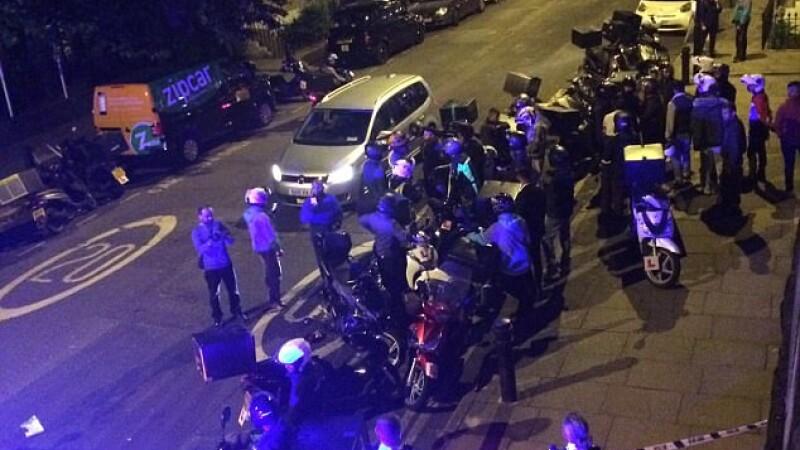 Atacuri cu acid in serie in Londra. Un adolescent a aruncat substante corozive in fata a 5 oameni. VIDEO