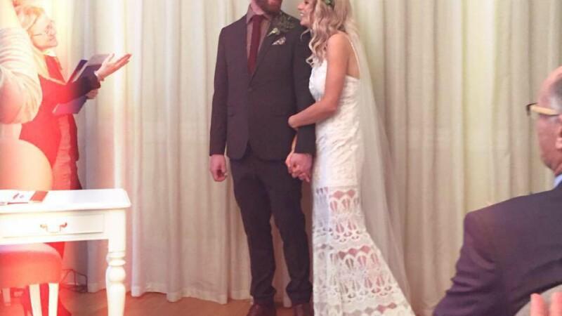O tanara din Scotia a avut nunta visurilor ei cu numai 1000 lire, chiar daca a avut 100 de invitati. Cum a reusit