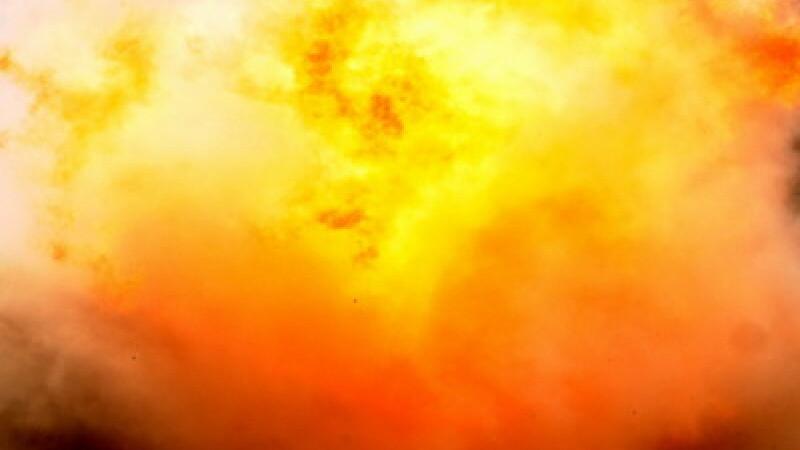 Incendiu violent in Oradea. O casa cu etaj a fost cuprinsa de flacari
