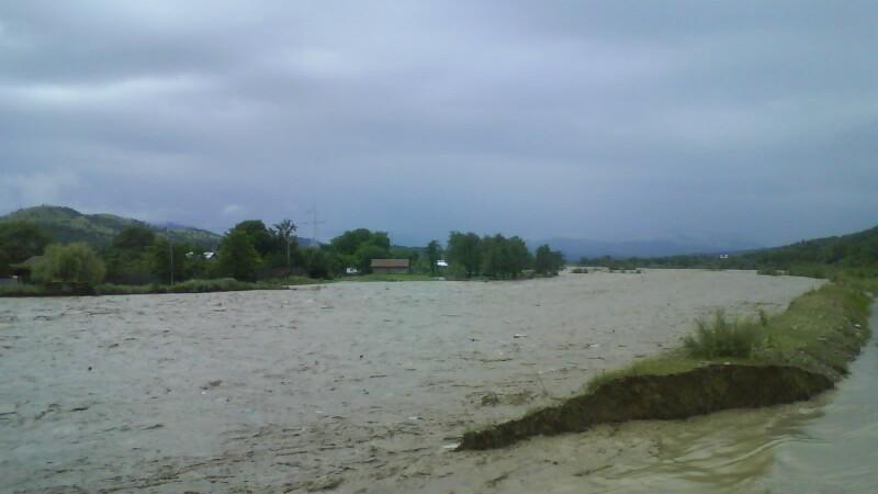 Amenintarea Dunarii: va fi in crestere 3 saptamani, iar digurile pot ceda!
