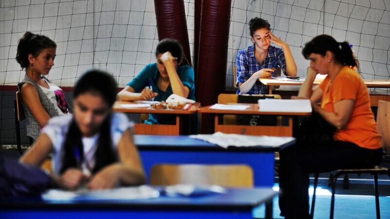 EVALUAREA NATIONALA 2012: Elevii sustin astazi examenul la matematica