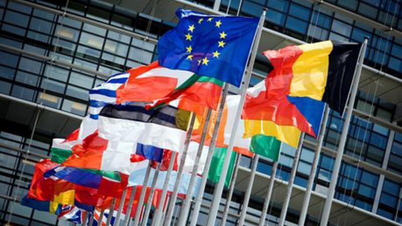 Amenintarea care zguduie UE: Daca nu rezolvati problema imigrantilor am putea parasi Uniunea Europeana