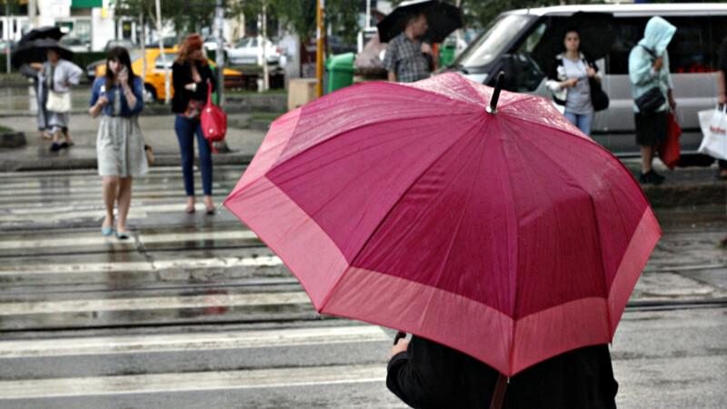 Vineri predomina vremea inchisa, cu ploi si vant puternic in unele regiuni. Cand incep sa creasca temperaturile