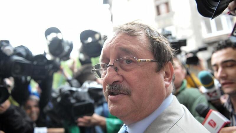 Noi stenograme in cazul Mircea Basescu. Surse Mediafax: Probele video depuse la dosar au fost autentificate de DNA