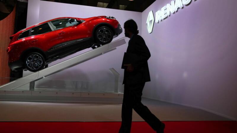 Noul model de la Renault, opera unui roman, lansat si la noi. Care e pretul de pornire