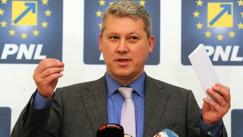 PNL cere demiterea Avocatului Poporului: