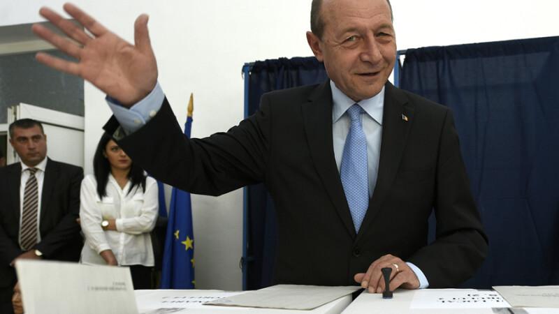 Traian Basescu a primit cetatenia Republicii Moldova. In ce conditii ar putea candida la presedintia acestei tari