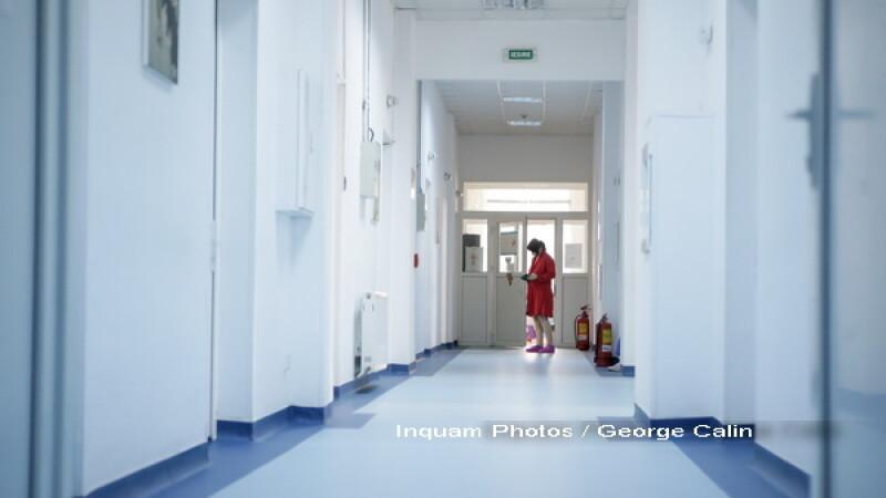Epidemie de meningita la Brasov. Un elev de 17 ani a murit, alti 7 colegi sunt internati cu suspiciune de imbolnavire