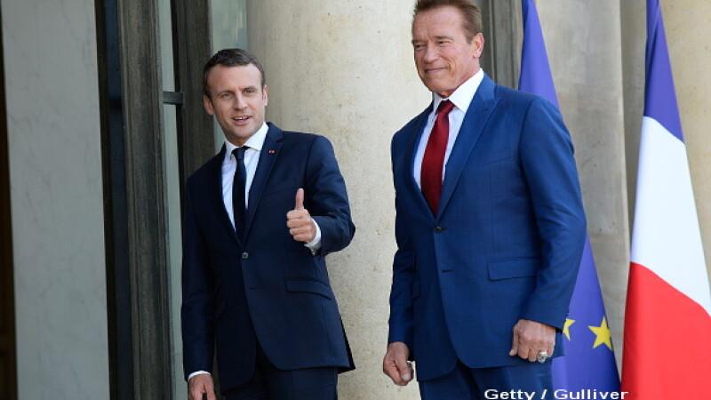 Arnold Schwarzenegger si-a facut un selfie VIDEO cu presedintele Frantei, in care il ironizeaza pe Trump. Mesajul lui Macron