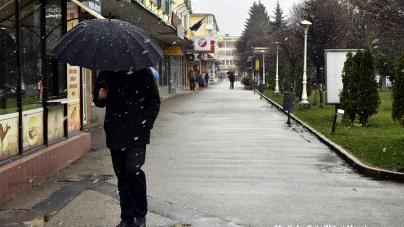 Ploi, temperaturi scazute si lapovita in mai multe zone din tara. Cum va fi vremea saptamana viitoare