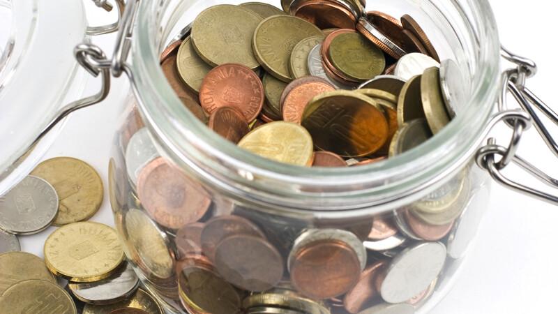 Incepand de luni, Fiscul va afla aproape tot ce faceti cu banii din banca. Chiar si casetele de valori vor fi raportate