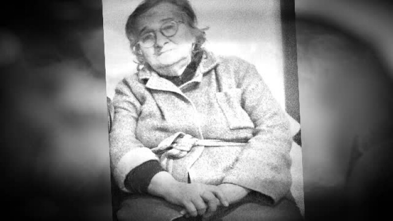 Batrana care a murit inghetata pe camp, condusa pe ultimul drum. Ioana Caloian a fost inmormantata acasa, la Braila