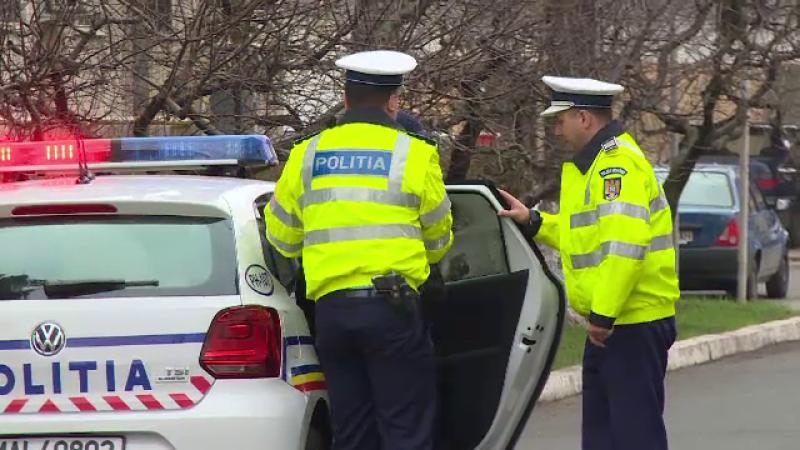 Accident grav pe DN1A. O fata de 17 ani a ramas prinsa intre fiarele unei masini