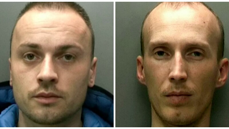 Doi romani, condamnati la 3 ani de inchisoare pentru furt. Cate telefoane au gasit politistii in pantalonii unuia dintre ei