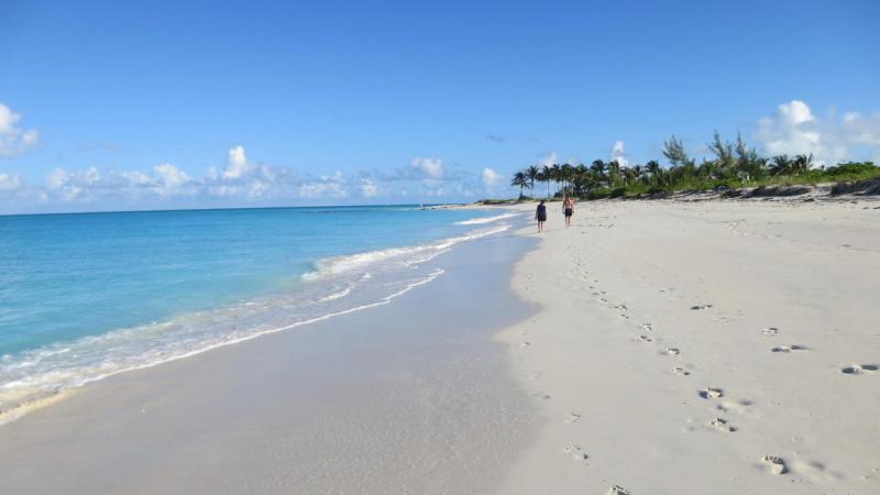 Care este cea mai frumoasa plaja din lume. O insula ce apartine Spaniei, in top 10 preferinte ale turistilor in 2016