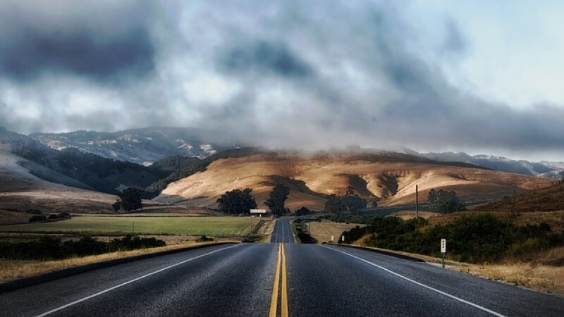"Europa de Est isi face autostrada. ""Via Carpatia"", ruta care va lega Lituania de Bulgaria, va trece si prin Romania"