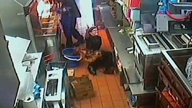 Imagini terifiante. Momentul in care o romanca a fost arsa cu ulei incins, intr-un restaurant McDonald's. VIDEO