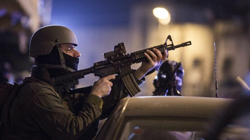 Atac cu cutitul in Tel Aviv. Un turist american a fost ucis, iar alte 10 persoane au fost grav ranite. Cine este autorul