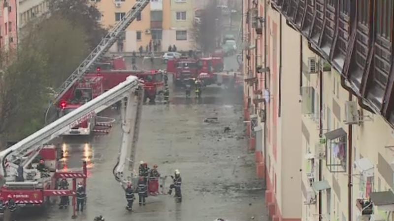 Incendiul de la mansarda unui bloc din Capitala a fost stins. Ajutorul pe care il vor primi cei afectati din partea primariei