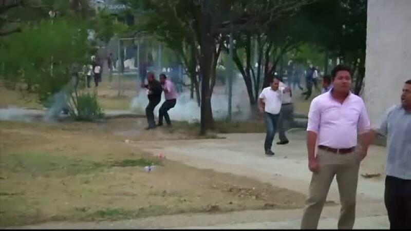 Bataie intre sindicalisti, studenti si politisti in Mexic. Totul a inceput de la alegerea noii conduceri a unei universitati