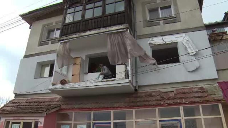 Explozie misterioasa intr-un apartament de bloc. Cladirea nici macar nu e racordata la reteaua de gaze