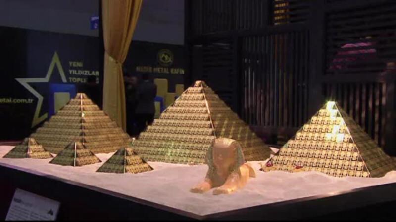 Bijutierii turci, saraciti de racirea relatiilor cu Rusia. Nimeni nu le cumpara piramidele din aur de 150 de kilograme