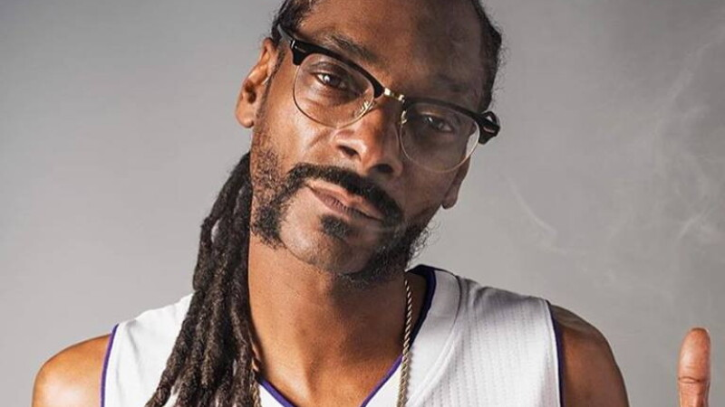 Snoop Dogg a anuntat ca va veni la Bogata, in Mures. Mesajul transmis de cantaret pe Facebook