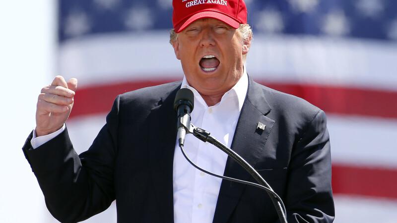 Proteste in mai multe orase americane impotriva lui Donald Trump. Oamenii ii cer sa se retraga din cursa prezidentiala