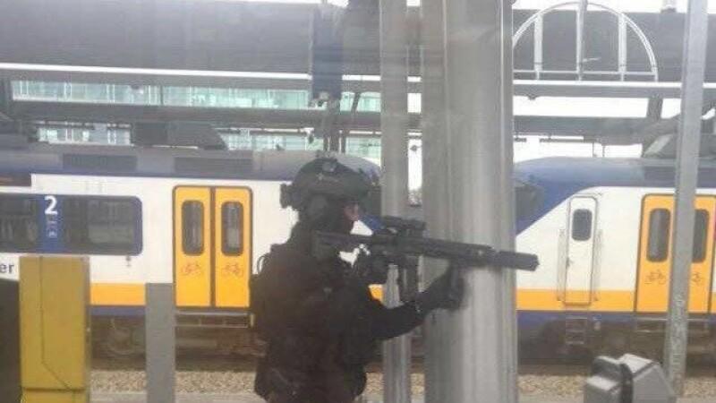 Masuri de siguranta: Sute de militari pe strazi, gara din Amsterdam, incercuita de politie