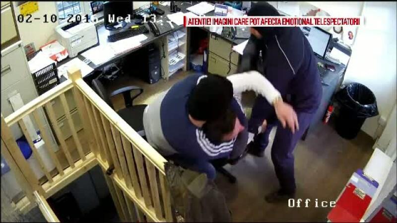Clipe de groaza pentru un barbat din Londra. A fost atacat in propriul birou de doi indivizi cu cagule
