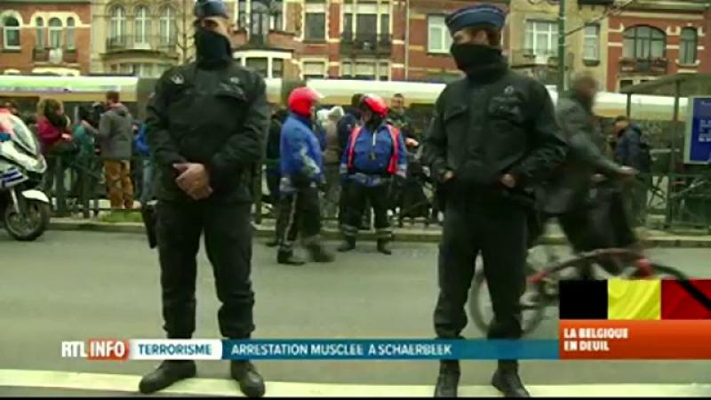 Noi indicii leaga atentatele de la Paris de exploziile din Bruxelles. Turcia acuza Europa ca