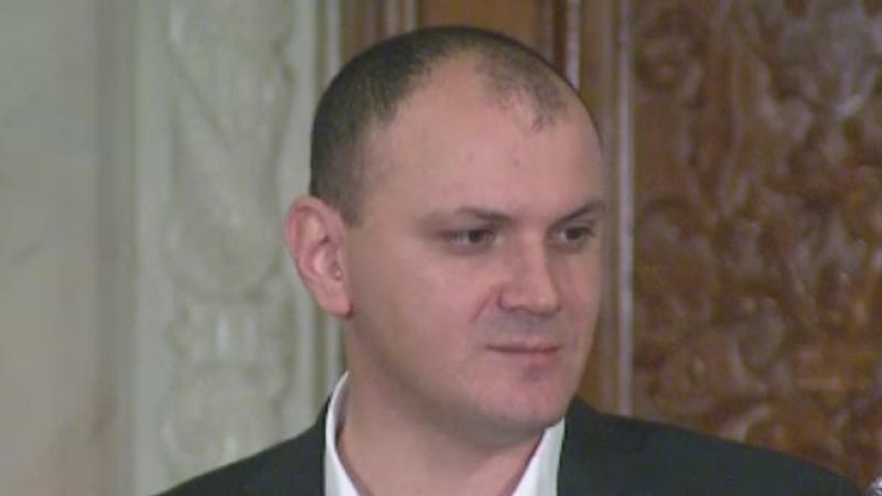 Sebastian Ghita si-a convins colegii din Comisia Juridica cu filmuletul sau. Aviz pentru retinere, insa nu si pentru arestare