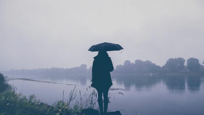 Informare de ploi si vant pana sambata dimineata. Zonele in care va fi lapovita si ninsoare