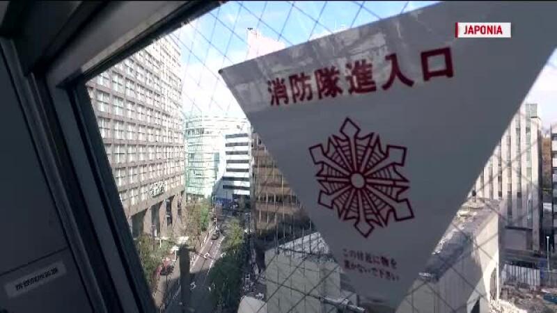 Salvarea in caz de dezastru. Ce reprezinta abtibildul cu triunghi rosu care este pus pe ferestrele cladirilor din Japonia