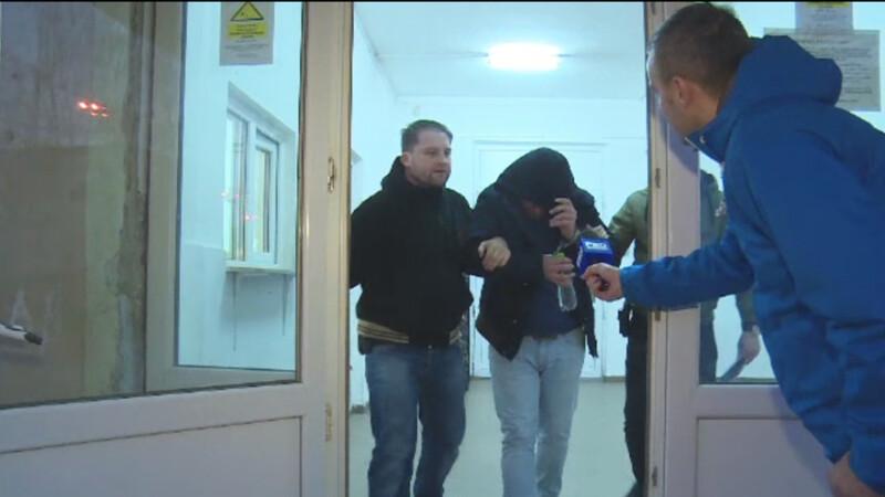 O batrana din Targoviste a fost talharita in propriul apartament. De ce nu au auzit nimic vecinii din bloc