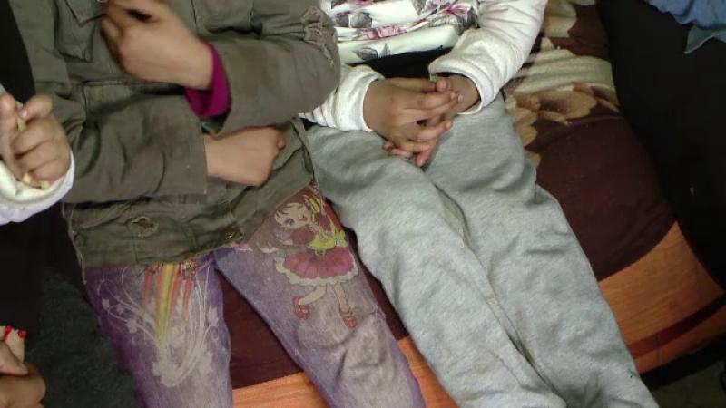 17.000 de copii din Romania au cel putin un parinte in inchisoare. Societatea ii arata cu degetul, autoritatile ii ignora