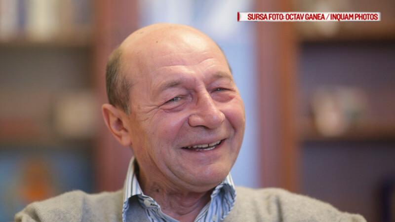 Traian Basescu are din nou cetatenie moldoveneasca. Presedintele pro-rus de la Chisinau ar fi luat o decizie ilegala