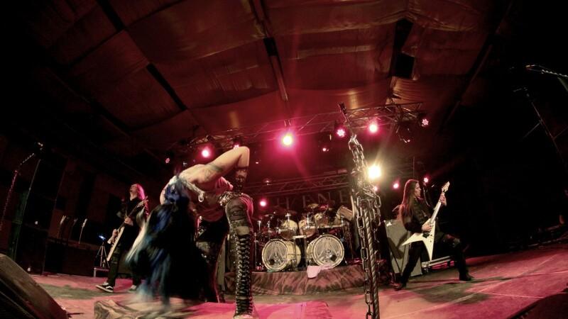 Arch Enemy, Krepuskul si Goodye To Gravity. Un concert electrizant, care a zguduit Bucurestiul. GALERIE FOTO