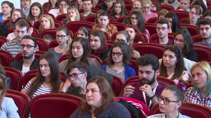 Universitatile din Romania, fabrici de diplome. Cati tineri ajung de fapt sa practice meseria pentru care s-au pregatit
