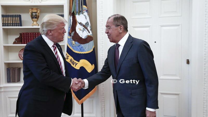 Donald Trump l-a amenintat pe fostul sef FBI. Presa americana: Isi inregistreaza presedintele discutiile din Biroul Oval?