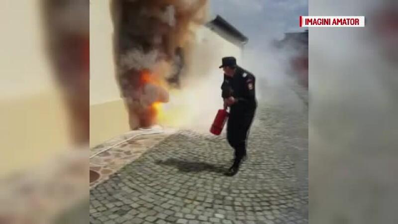 Tragedie evitata intr-o biserica din Oradea gratie prezentei de spirit a unui pompier. De la ce a pornit focul