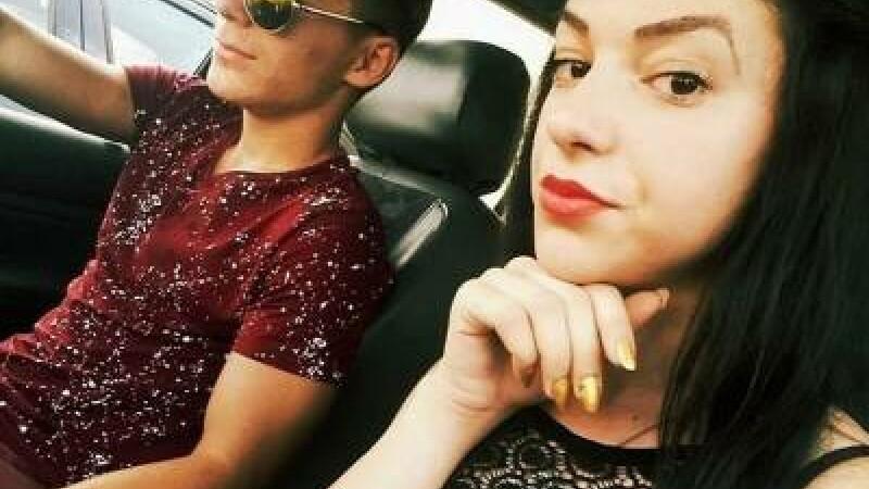 S-au rasturnat cu masina in fata liceului. O fata de 17 ani a murit, iar un tanar si o fetita de noua ani au fost raniti
