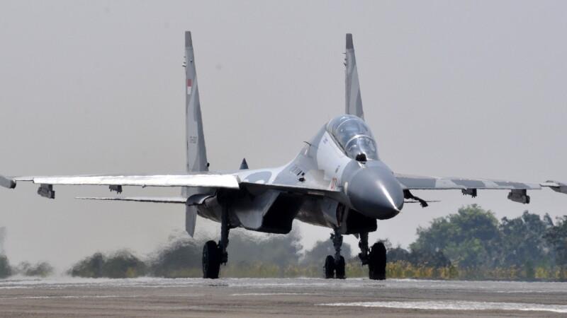 SUA acuza ca 2 avioane chineze au interceptat un avion american. Aeronava era deasupra Marii Chinei de Est