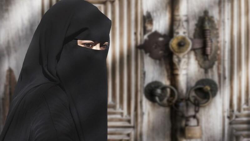 Familiile membrilor ISIS sunt exilate pentru a fi