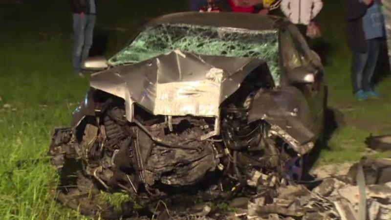 Trei morti dupa ce masina in care se aflau a intrat intr-un copac de pe marginea drumului, in Harghita