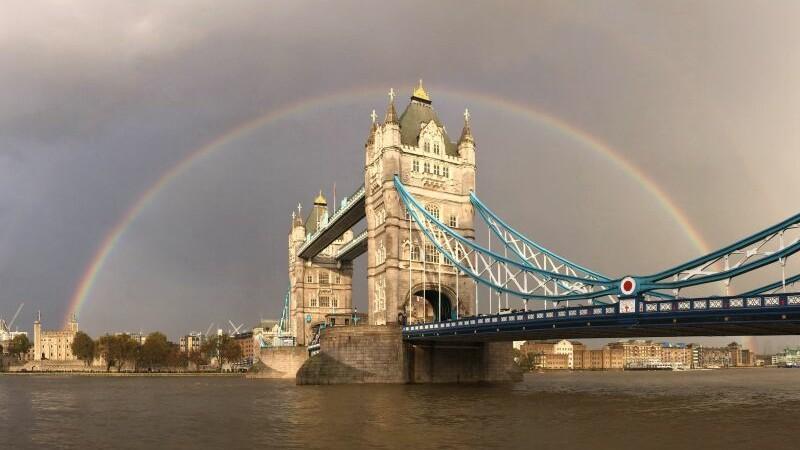Investitie masiva de 1.3 milioane de euro. Cum arata Londra vazuta de pe platforma de sticla de la Tower Bridge
