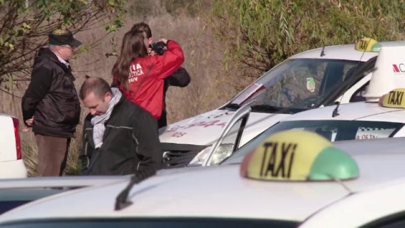 Taximetristii din Brasov au ramas fara serviciu dupa ce patronii au fost arestati la domiciliu.