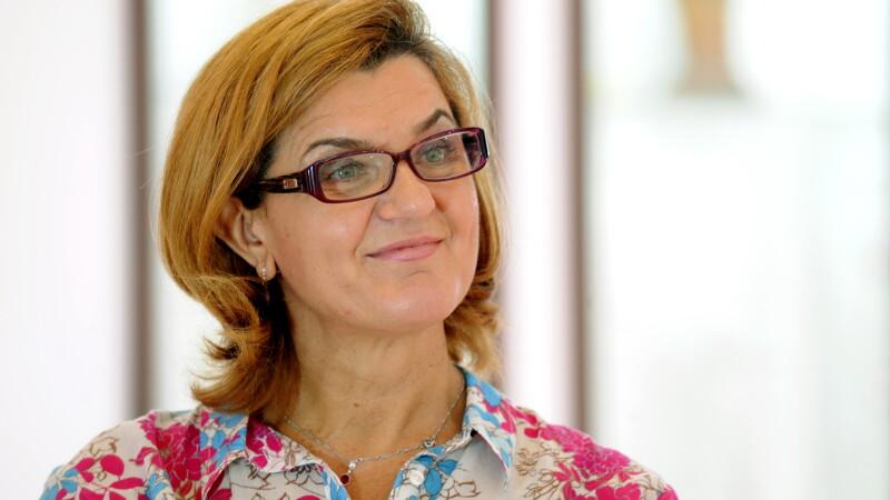 Elisabeta Lipa, multipla campioana olimpica la canotaj, propusa de Dacian Ciolos la Ministerul Tineretului